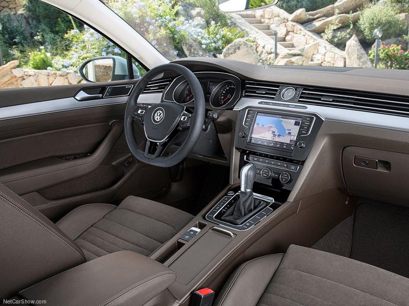 Cần bán xe Volkswagen Passat CC GP sản xuất 2016, màu đen