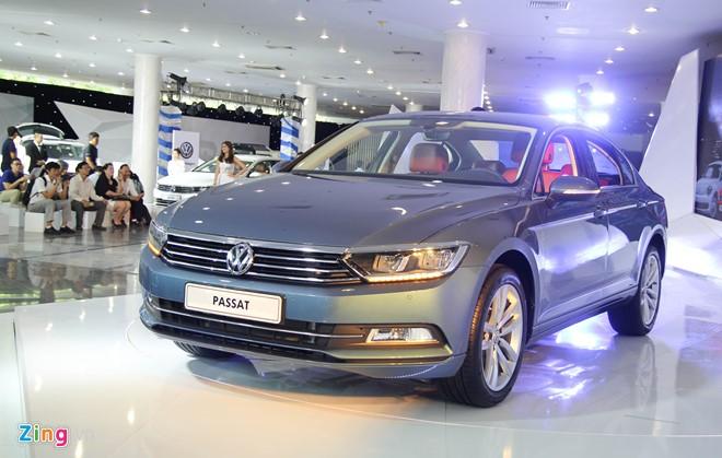 Cần bán xe Volkswagen Passat GP sản xuất 2016, màu xanh lam