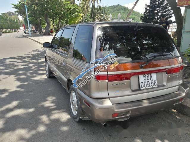 Cần bán Mitsubishi Space Gear năm 1994, màu nâu, nhập khẩu Nhật Bản