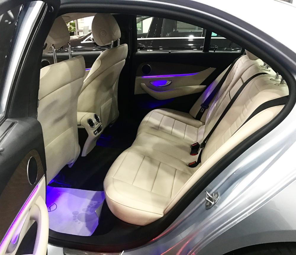 Bán Mercedes E200 2017 bạc/kem chạy lướt giá tốt