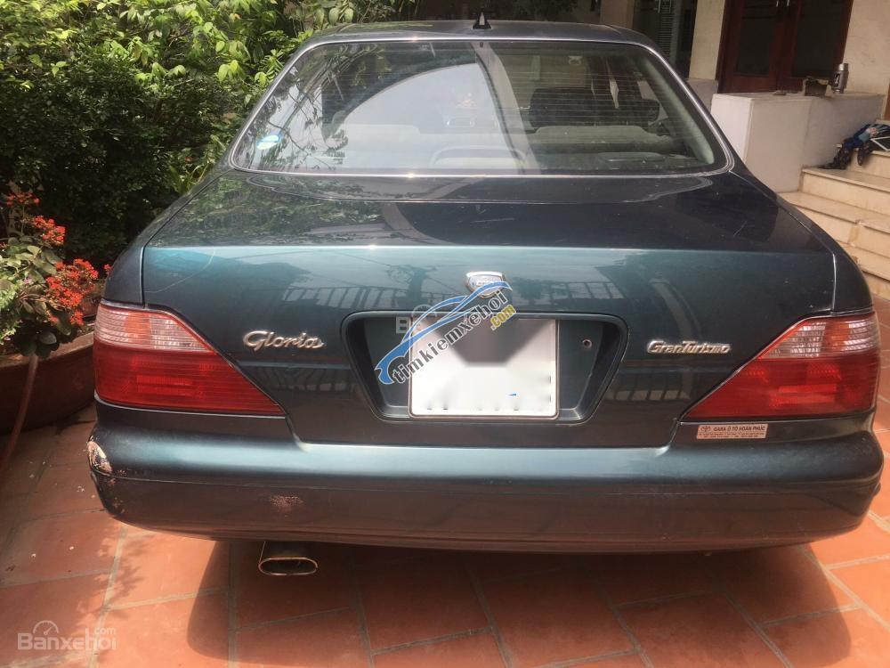 Cần bán Nissan Gloria Vip sản xuất năm 1996, màu xanh lục, nhập khẩu nguyên chiếc