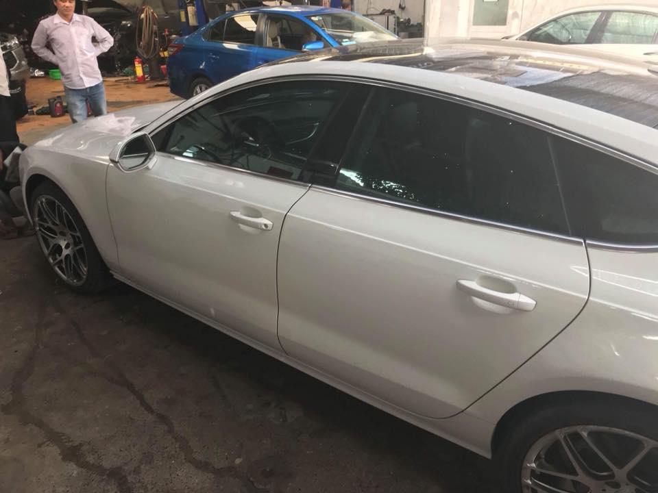 Bán xe Audi A7 3.0 đời 2011, màu trắng