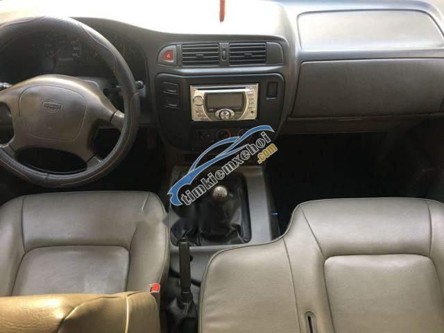 Bán ô tô Nissan Patrol sản xuất năm 2000, màu bạc, nhập khẩu