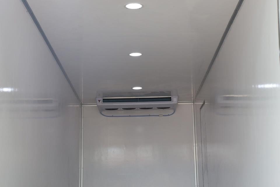 Xe tải hino đông lạnh tải trọng 8 tấn