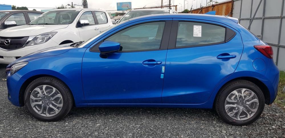 Mazda 2 Hatchback Premium CBU nhập khẩu Thái Lan quà hấp dẫn, trả góp tối đa, xe giao nhanh - Liên hệ 0973.560.137