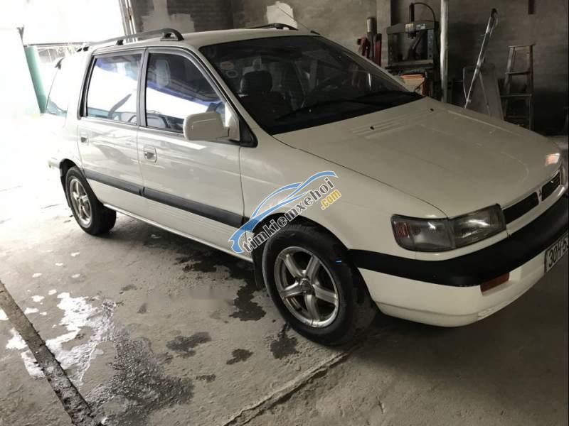 Bán xe Mitsubishi Space Gear, đăng kí 6 chỗ, 1.8, máy xăng, số sàn, xe rất đẹp