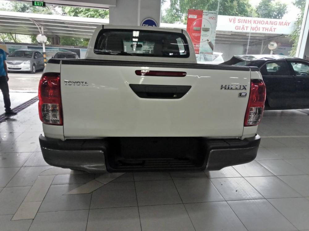 Bán Toyota Hilux 24E AT 2019 - đủ màu giao ngay - giá tốt