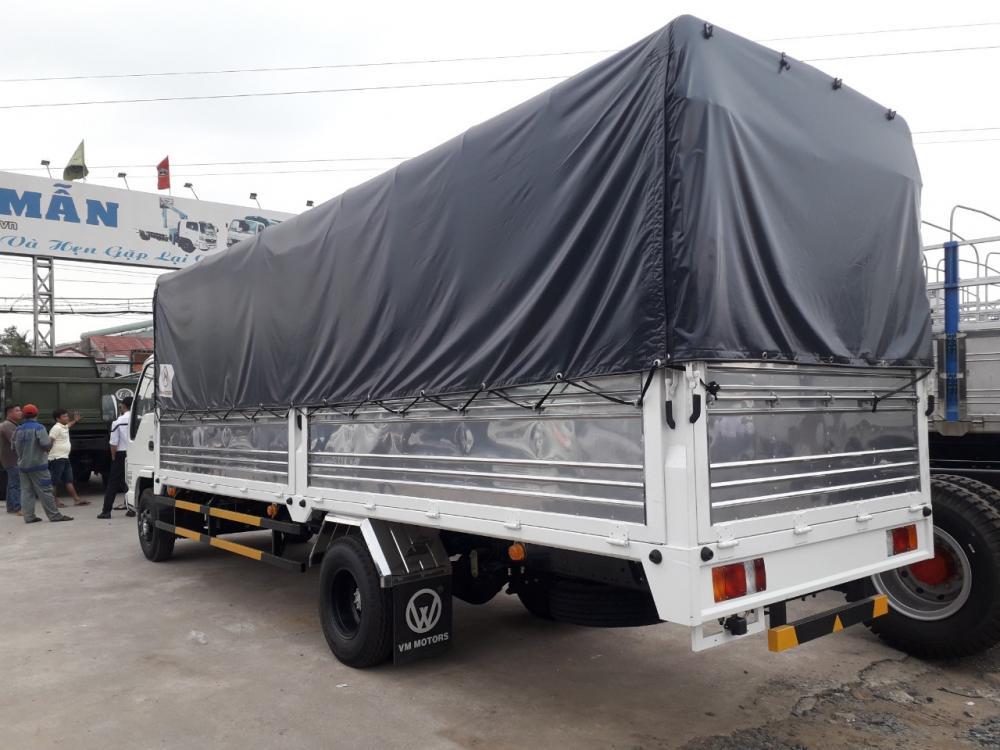 Xe tải isuzu 1T9 thùng bạt bán trả góp