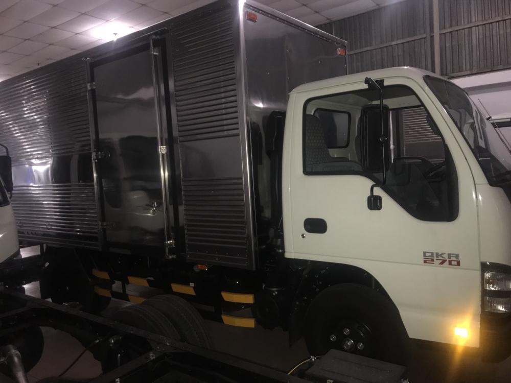 Xe tải isuzu 1T9 thùng kín ga cơ