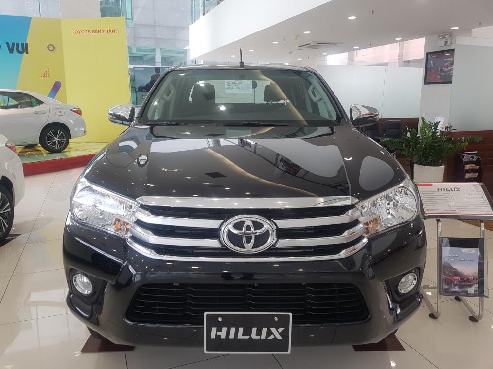 Toyota Hilux 2019 số tự động, khuyến mãi khủng