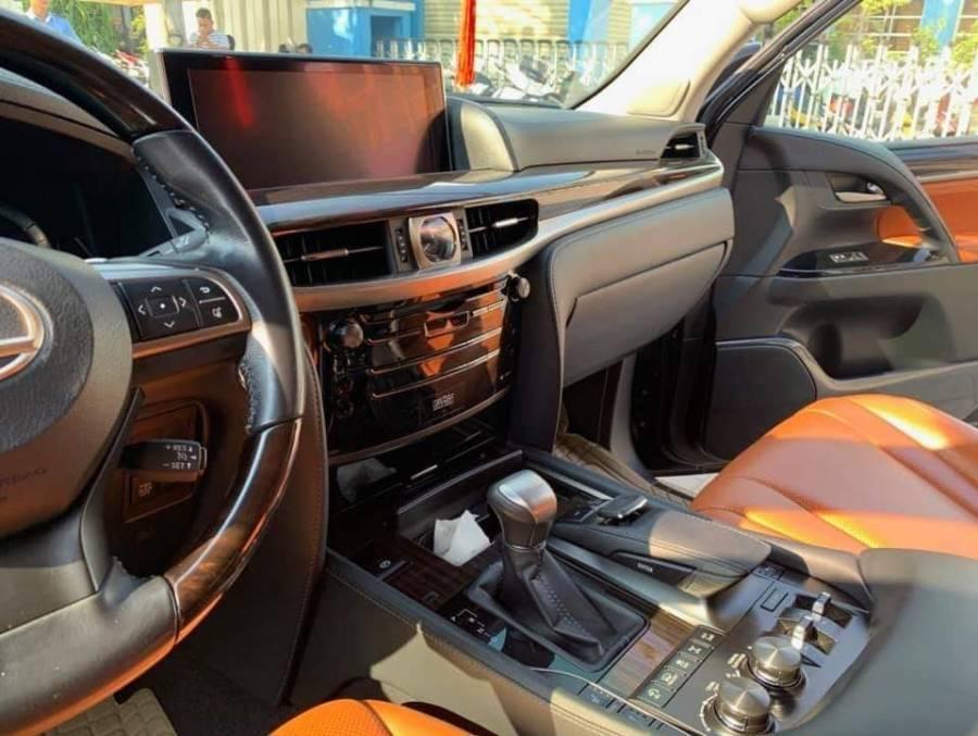 Bán gấp Lexus LX LX570 đời 2016, màu đen, nhập khẩu