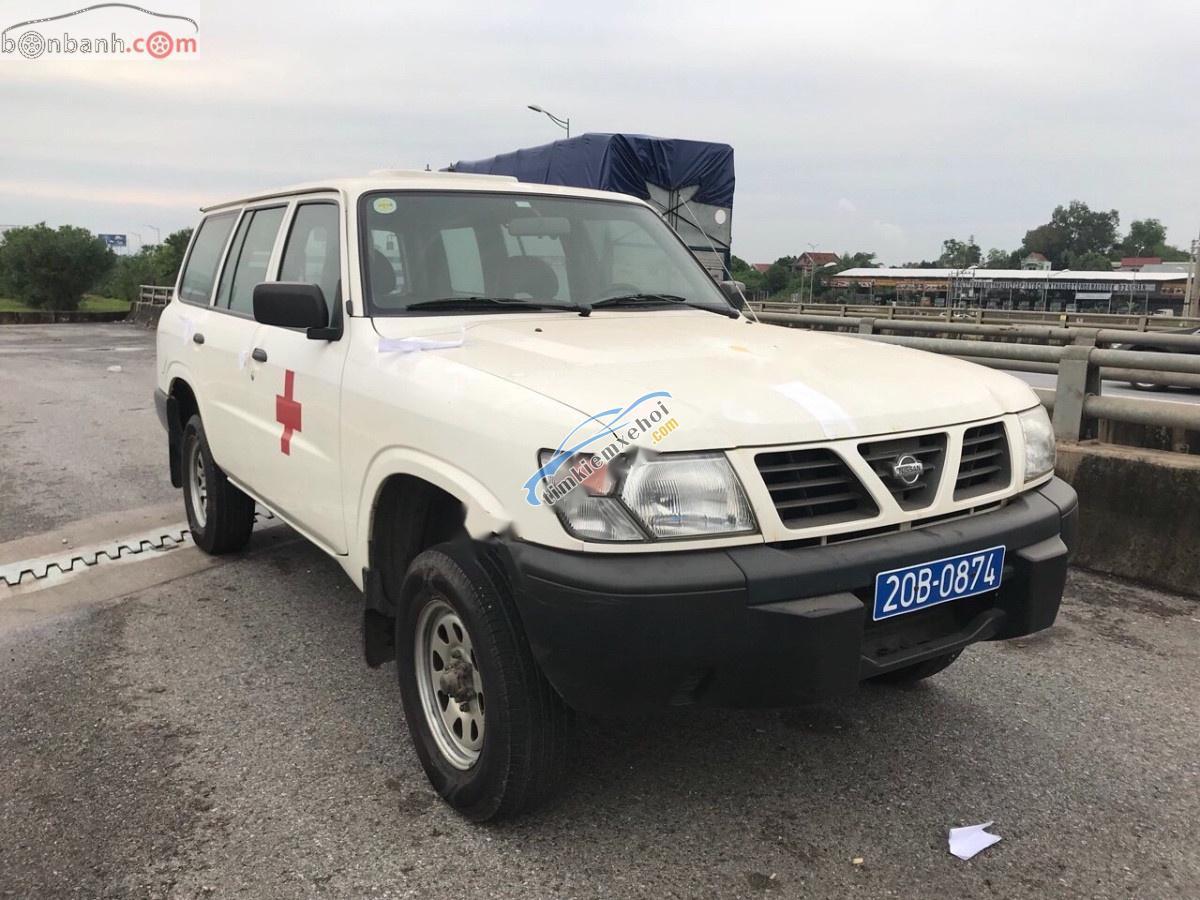 Bán Nissan Patrol đời 1999, màu trắng, nhập khẩu nguyên chiếc
