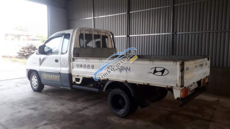 Bán Hyundai Libero năm sản xuất 2001, màu trắng, nhập khẩu