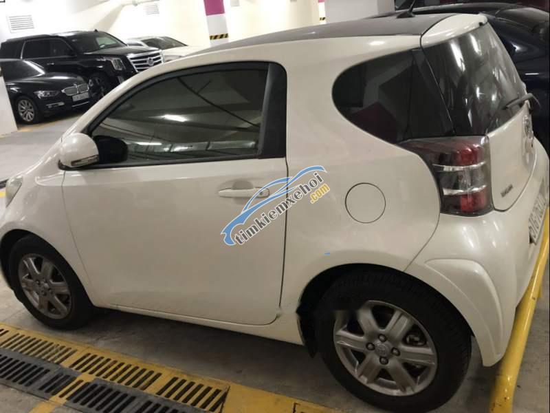Bán ô tô Toyota IQ đời 2010, màu trắng, nhập khẩu