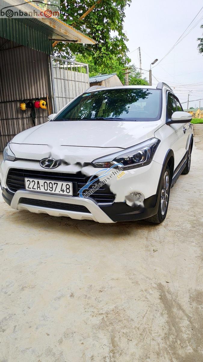 Xe Hyundai i20 Active 1.4 AT sản xuất 2016, màu trắng, nhập khẩu