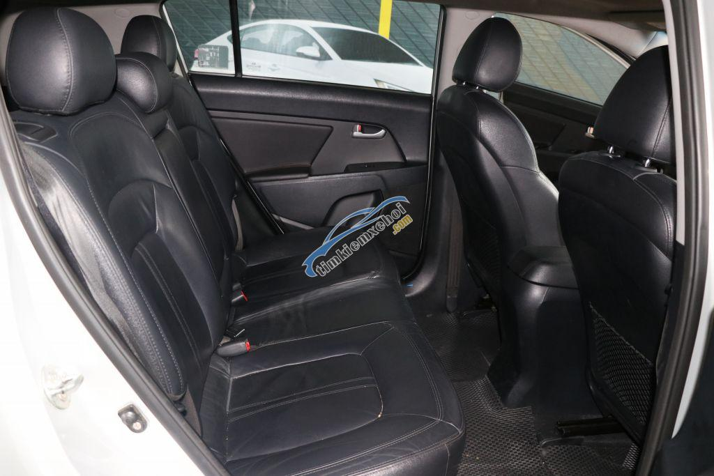 Bán ô tô Kia Sportage 2. AT AWD đời 2010, màu bạc, nhập khẩu nguyên chiếc