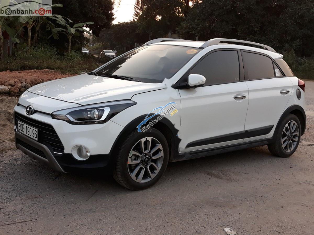 Bán Hyundai i20 Active 2016, màu trắng, xe nhập