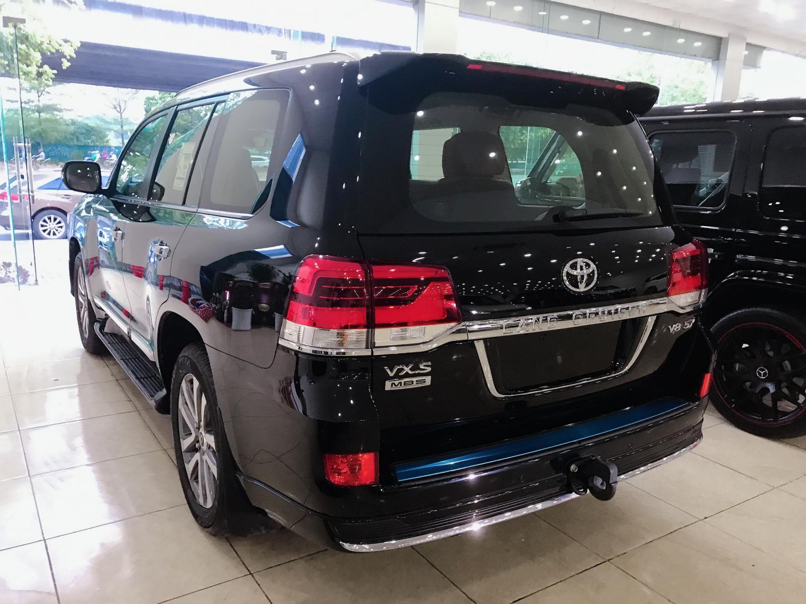 Siêu Vip. Toyota Landcruise VXS 5.7 sản xuất 2019, 4 chỗ, 4 ghế Massage, 5 cửa hít, xe giao ngay