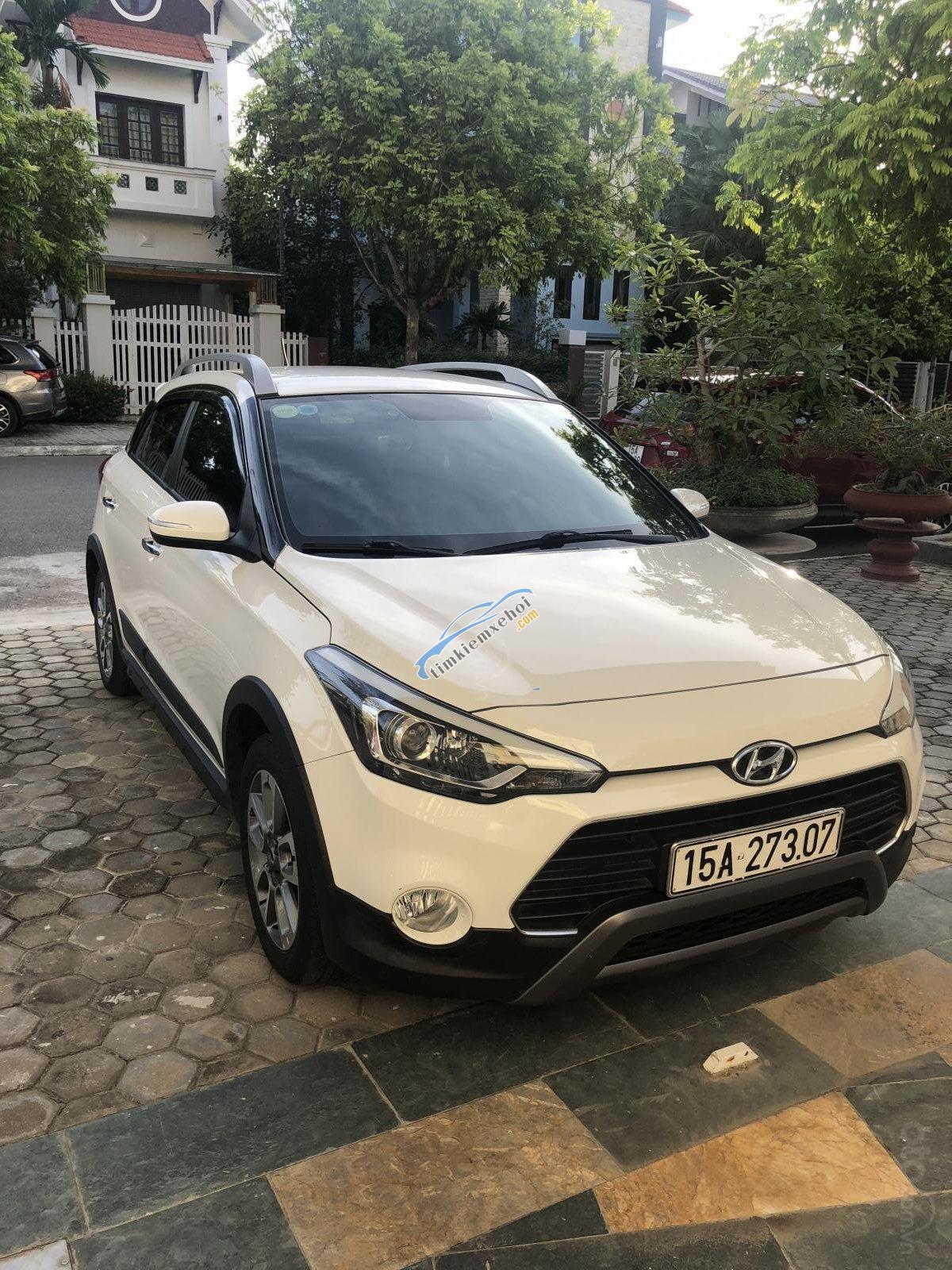 Cần bán xe Hyundai i20 Active 1.4L sản xuất 2016, màu trắng, nhập khẩu