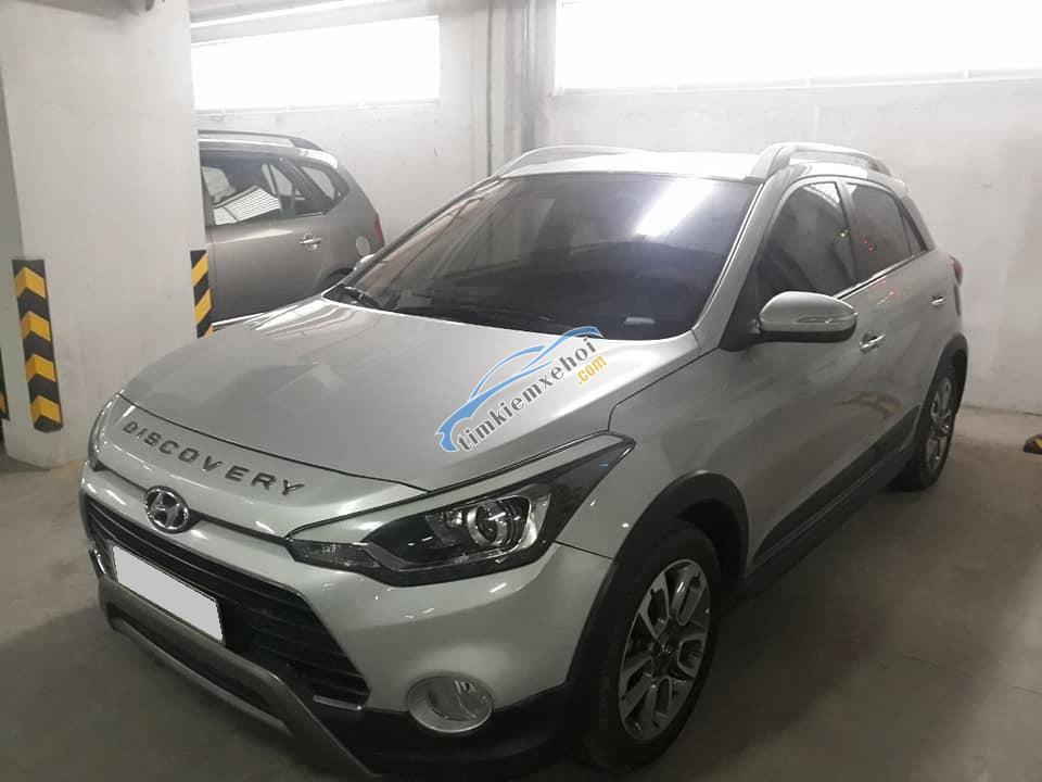 Cần bán xe Huyndai i20 Active 2015, số tự động, hatchback 5 chỗ màu bạc