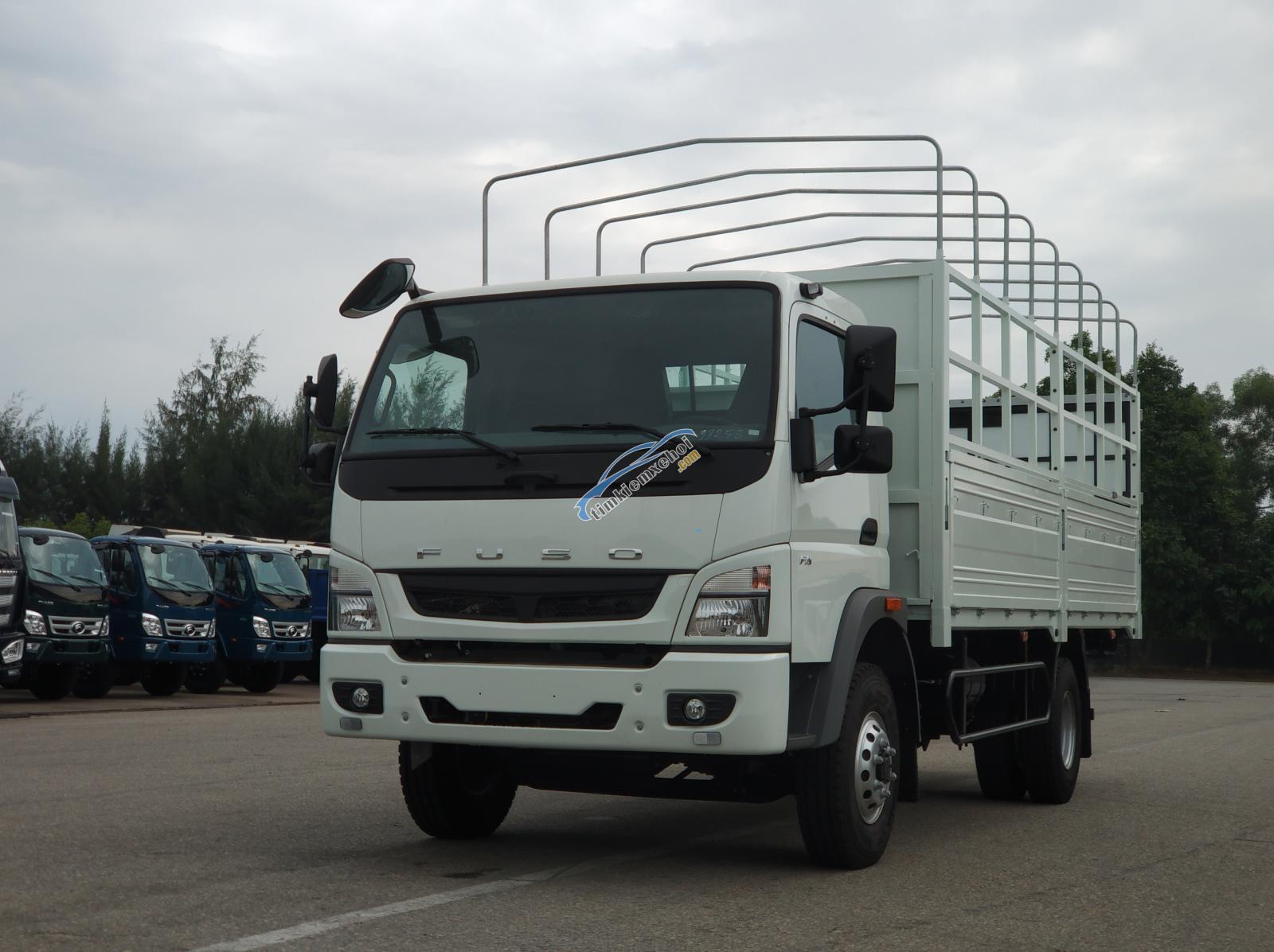 Xe tải nhật bản Misubishi Fuso Canter 10.4r thùng mui bạt - 5.75 tấn trả góp 80%