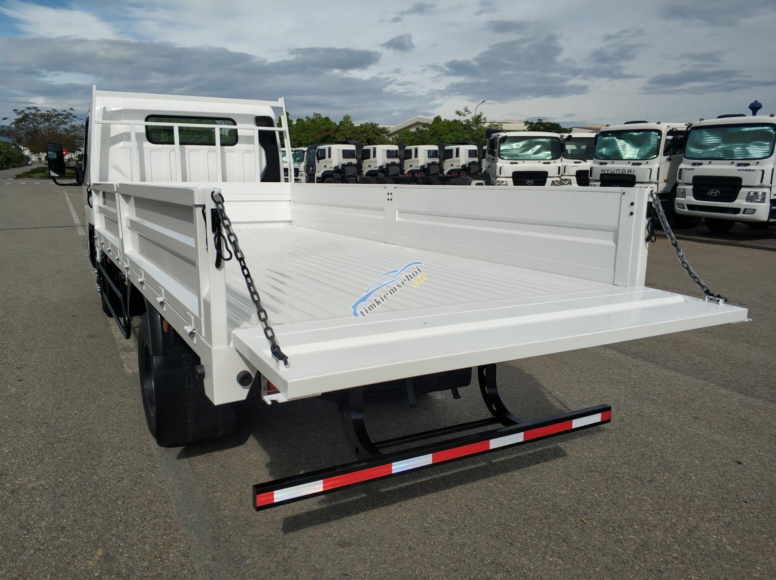Xe tải Misubishi Fuso Canter 4.99 thùng lửng - 2,49 tấn mới
