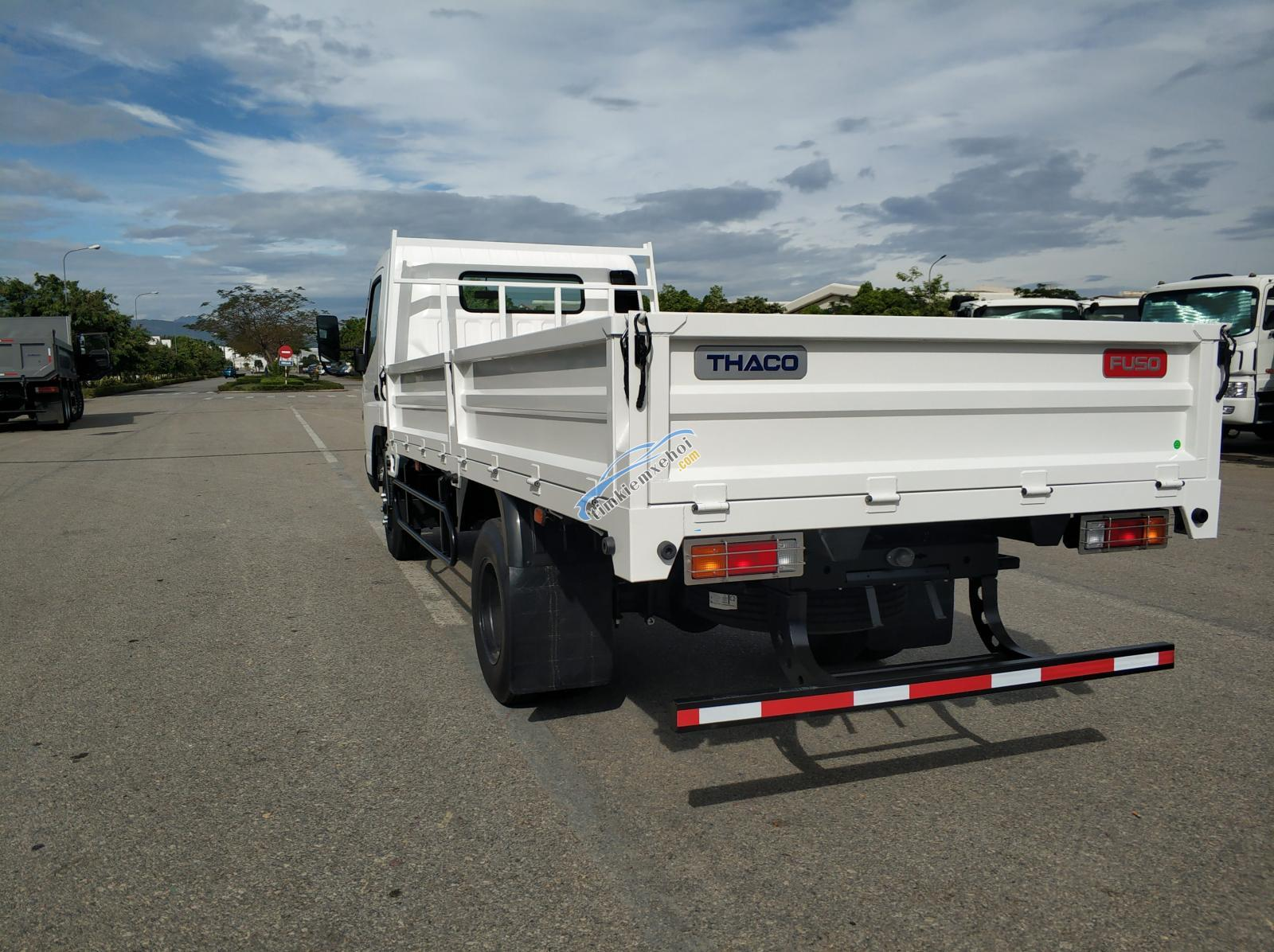 Xe tải Misubishi Fuso Canter 6.5 thùng lửng 3,49 tấn