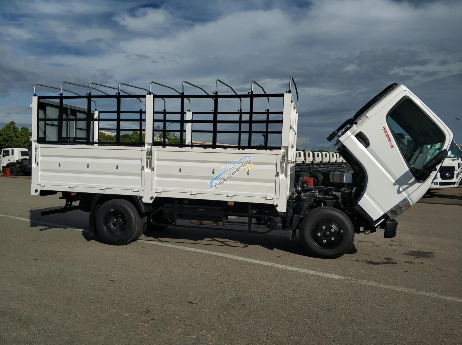 Xe tải Misubishi Fuso Canter 4.99 thùng mui bạt 2,1 tấn
