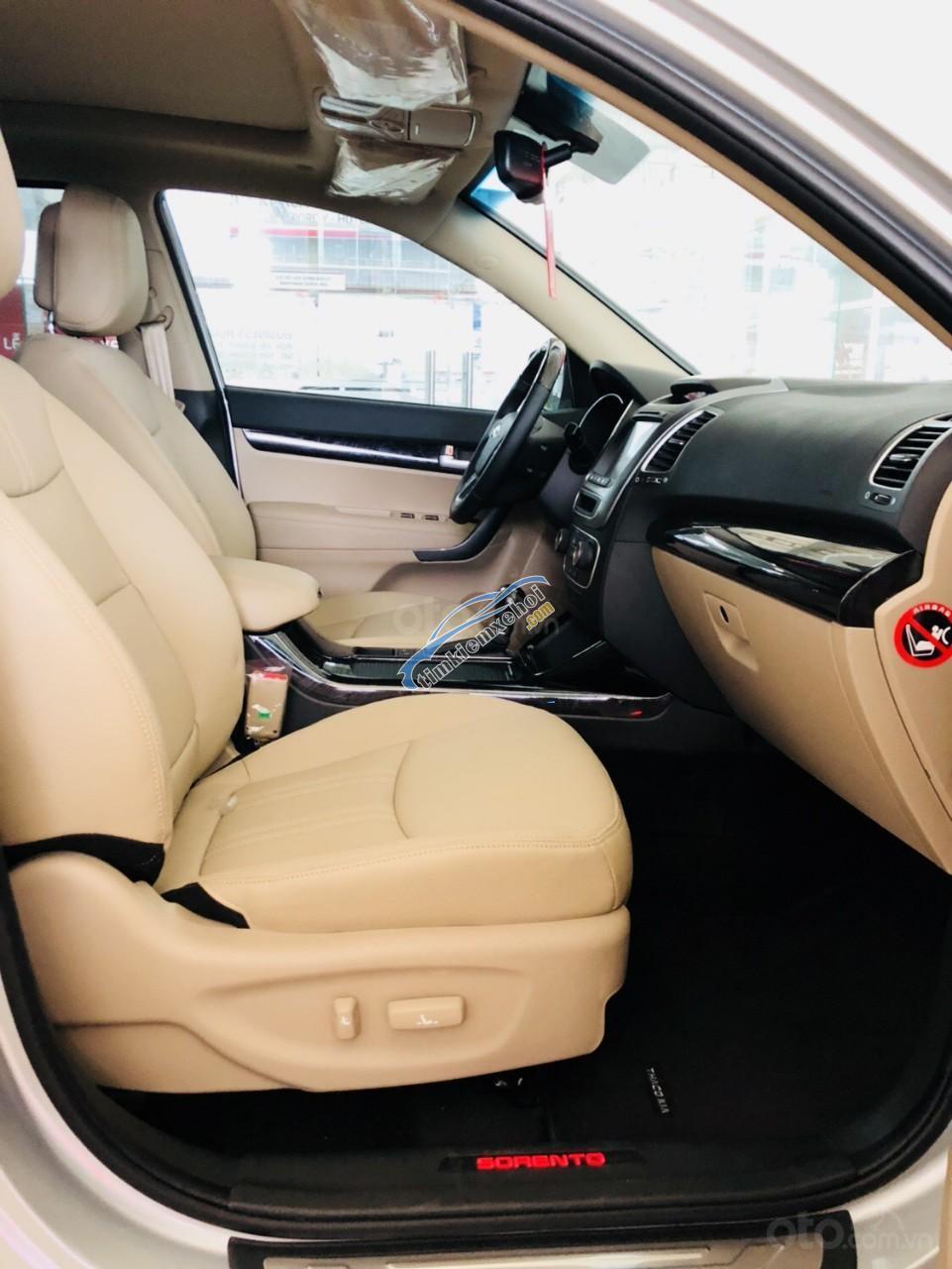 Bán Sorento 2019 giá tốt nhất toàn quốc, xe vừa nhập kho