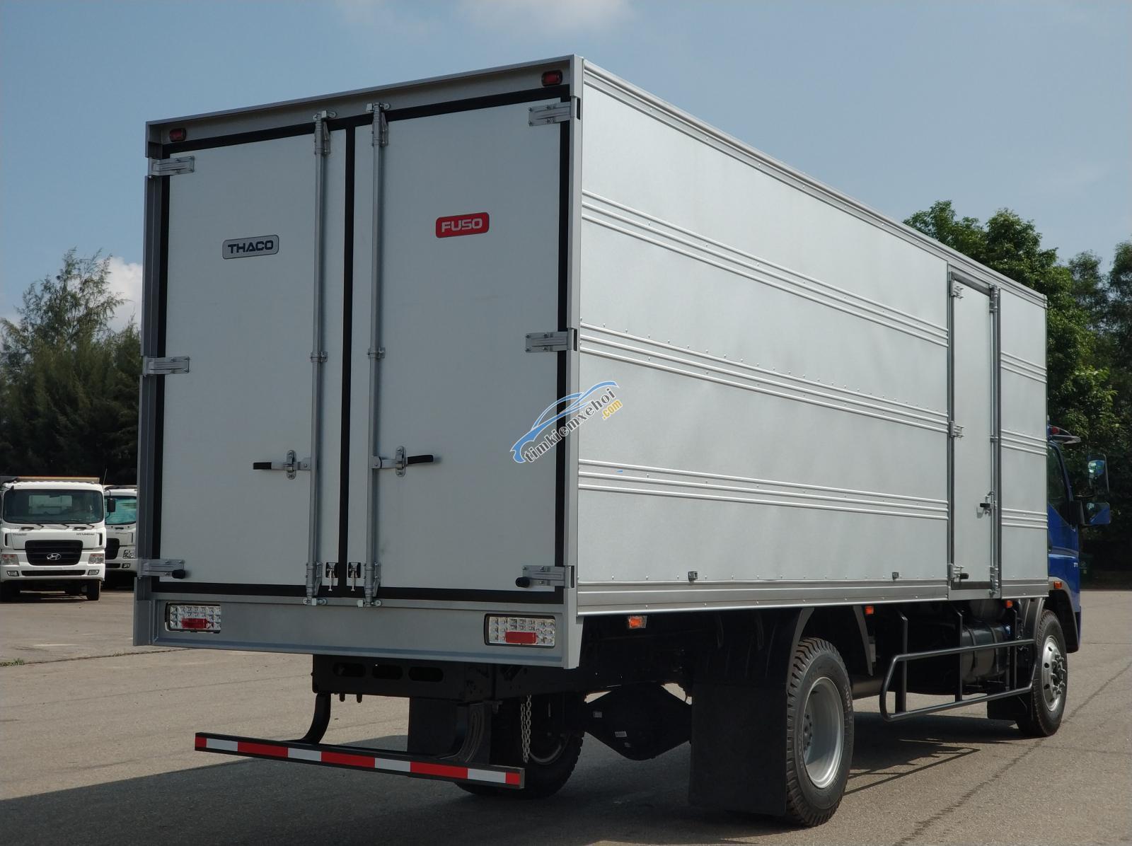Bán xe tải 7 tấn Nhật Bản Mitsubishi Fuso Canter12.8 RL thùng kín dài 6m9 - trả góp