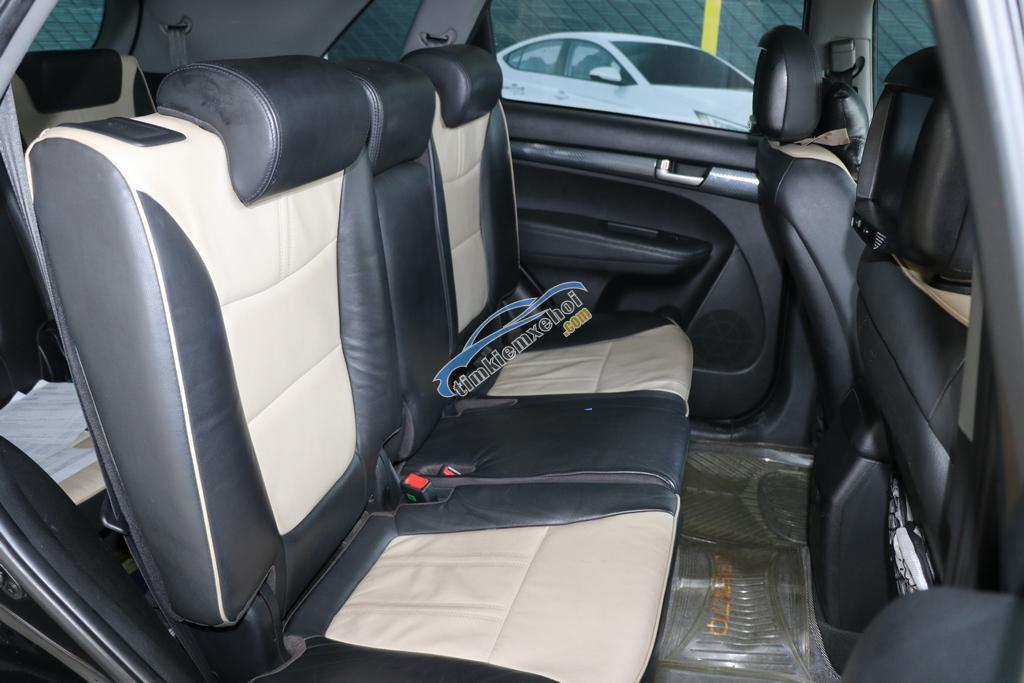Cần bán Kia Sorento 2.4AT 2WD đời 2012, màu đen