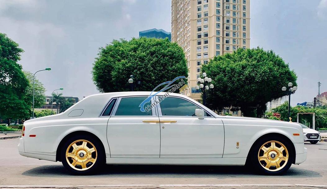 Đổi xe đời cao hơn nên mình cần bán Rolls-Royce Phantom 2009, màu trắng, nhập khẩu nguyên chiếc