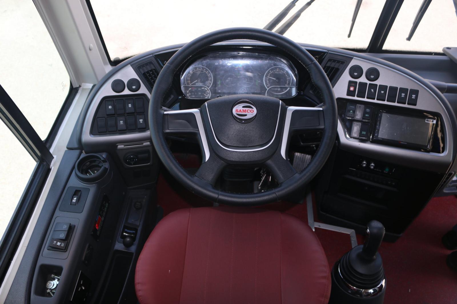 Bán xe khách Samco 47 chỗ hỗ trợ giá ưu đãi khi khách hàng xem xe