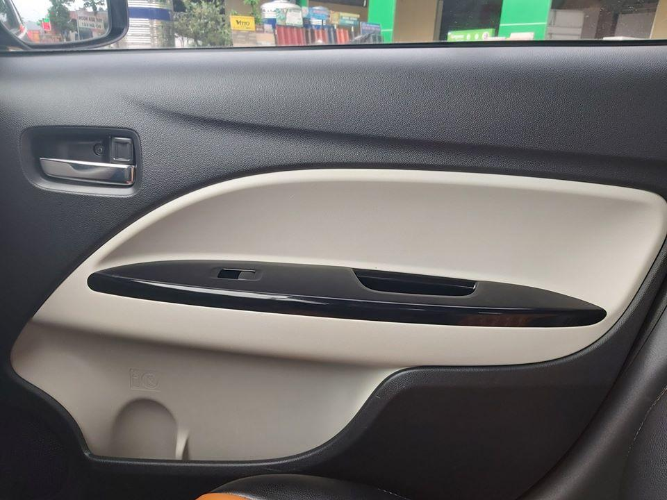 Bán Mitsubishi Attrage MT sx 2018, màu bạc, còn mới, giá 319tr