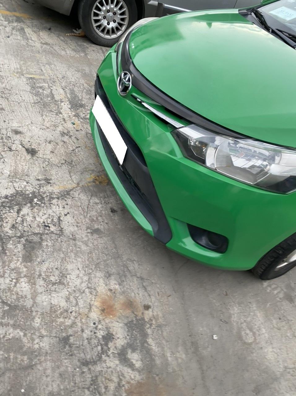 Cần bán lại xe Toyota Vios MT 2015, màu xanh lục, số sàn