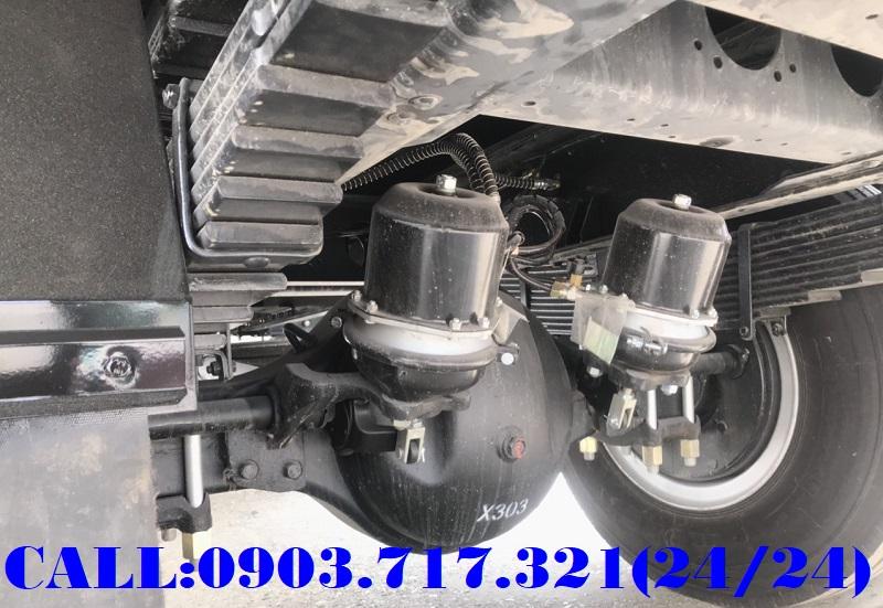 Công ty bán xe tải Faw 8T35 thùng kín dài 8m nội thất xe hơi giá nhà máy