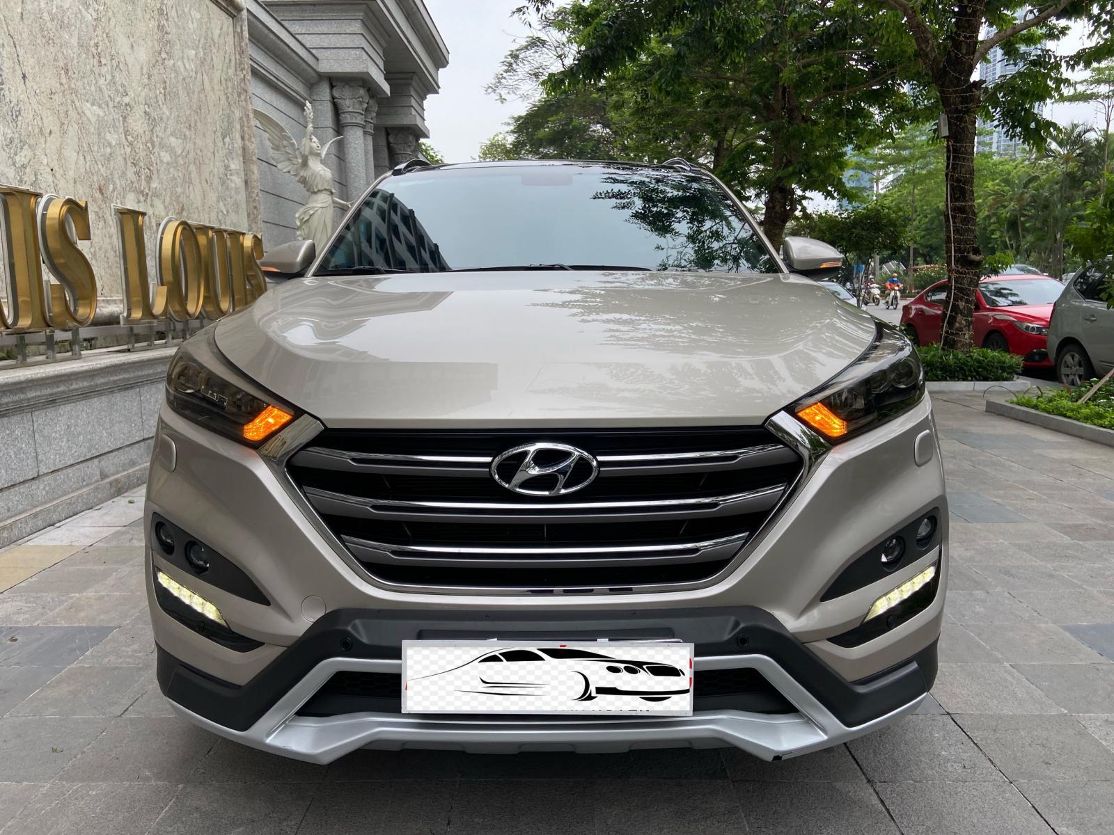 Bán Hyundai Tucson 2.0ATH sản xuất 2019 mới nhất Việt Nam