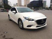 Bán Mazda 3 1.5L Facelift SX 2017, màu trắng giá 705 triệu tại Hà Nội