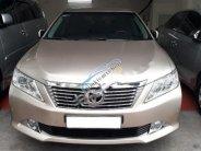 Cần bán gấp Toyota Camry 2.5Q sản xuất năm 2013, màu vàng, chính chủ giá 855 triệu tại Hà Nội