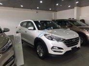 Cần bán xe Hyundai Tucson 2.0AT năm sản xuất 2018, màu trắng giá 828 triệu tại Hà Nội