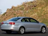 Cần bán Volkswagen Jetta E đời 2016, màu bạc, nhập khẩu chính hãng giá 1 tỷ 199 tr tại Tp.HCM