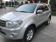 Bán Toyota Fortuner V AT năm 2010, màu bạc chính chủ giá 525 triệu tại Hà Nội