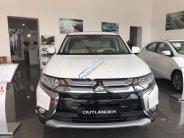 Bán Mitsubishi Outlander 2.0 CVT Premium đời 2018, màu trắng, 942 triệu giá 942 triệu tại Hà Nội