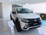 Cần bán xe Mitsubishi Triton Athtele 4x2 AT đời 2018, màu trắng, có bán trả góp liên hệ 0906.884.030 giá 745 triệu tại Tp.HCM