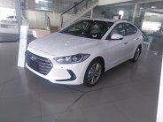 Cần bán xe Hyundai Elantra 2.0L AT năm 2018, màu trắng, giá tốt xe giao ngay giá 657 triệu tại Hà Nội
