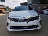 Cần bán gấp Kia Optima 2.4 GT Line năm sản xuất 2016, màu trắng, giá chỉ 890 triệu giá 890 triệu tại Hà Nội