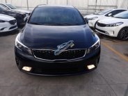 Bán xe Kia Cerato 1.6 AT sản xuất 2018, màu đen, giá chỉ 589 triệu. Liên hệ Trường Kia 0938 907 874 giá 589 triệu tại Tiền Giang