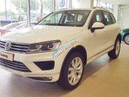 Bán Volkswagen Touareg SUV 5 chỗ, giá tốt nhất, giao toàn quốc, hỗ trợ vay 85% giá 2 tỷ 499 tr tại Tp.HCM