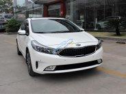 Bán xe Kia Cerato 1.6AT tặng full bộ phụ kiện. Trả trước 135 triệu nhận ngay xe giá 579 triệu tại Tp.HCM