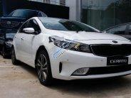 Cần bán Kia Cerato 1.6 AT năm 2018, màu trắng giá 589 triệu tại Phú Thọ